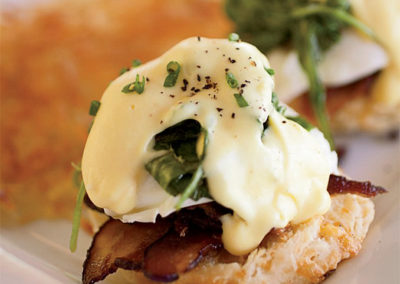 201210-xl-eggs-benedict-with-bacon-and-arugula